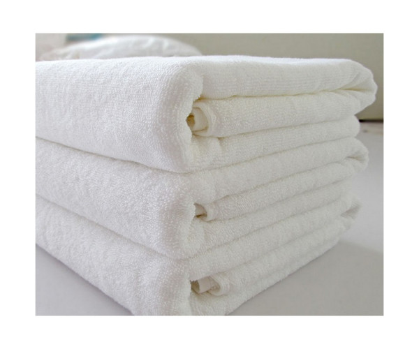 Полотенце махровое белое гостиничное 'ножки'   (50х70)